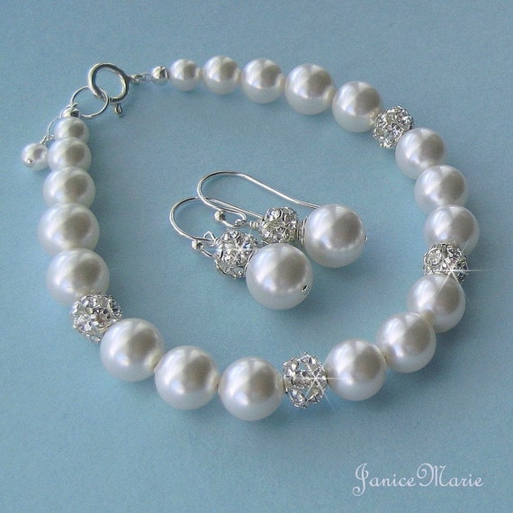 bridesmaid jewelry pearl bracelet and earrings set in white