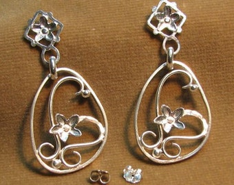 Flower Filigree Post Earrings