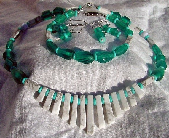 SALE  Price Teal and White Beaded Necklace, bracelet, and Earrings Set