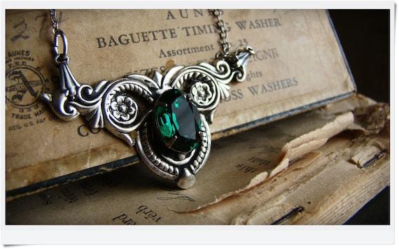 Svetlana - Emerald Green Crystal Necklace in Silver