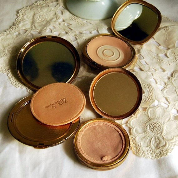 On Sale -- 3 Vintage Compacts Instant Collection, Powder Compact signed Margaret Rose and Ritz
