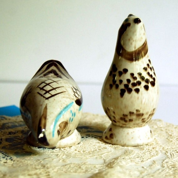 Vintage Salt And Pepper Shakers Red Wing Bob White Quail Bird