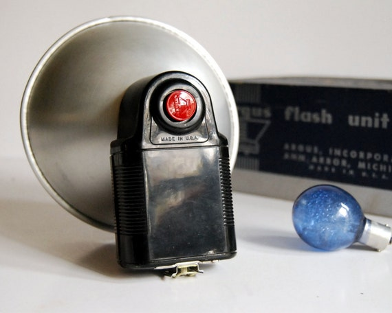 Vintage Argus Camera Flash Unit Camera Accessories with Flash Bulbs and Manual