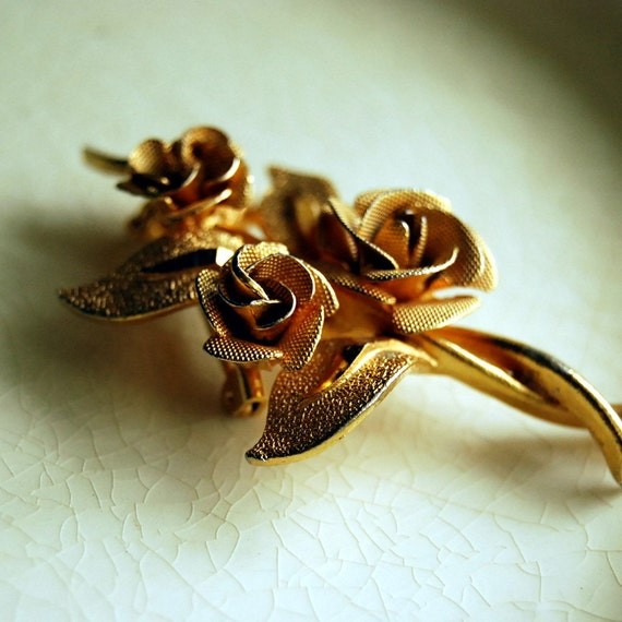 Vintage Brooch Three Roses Gold Tone Jewelry