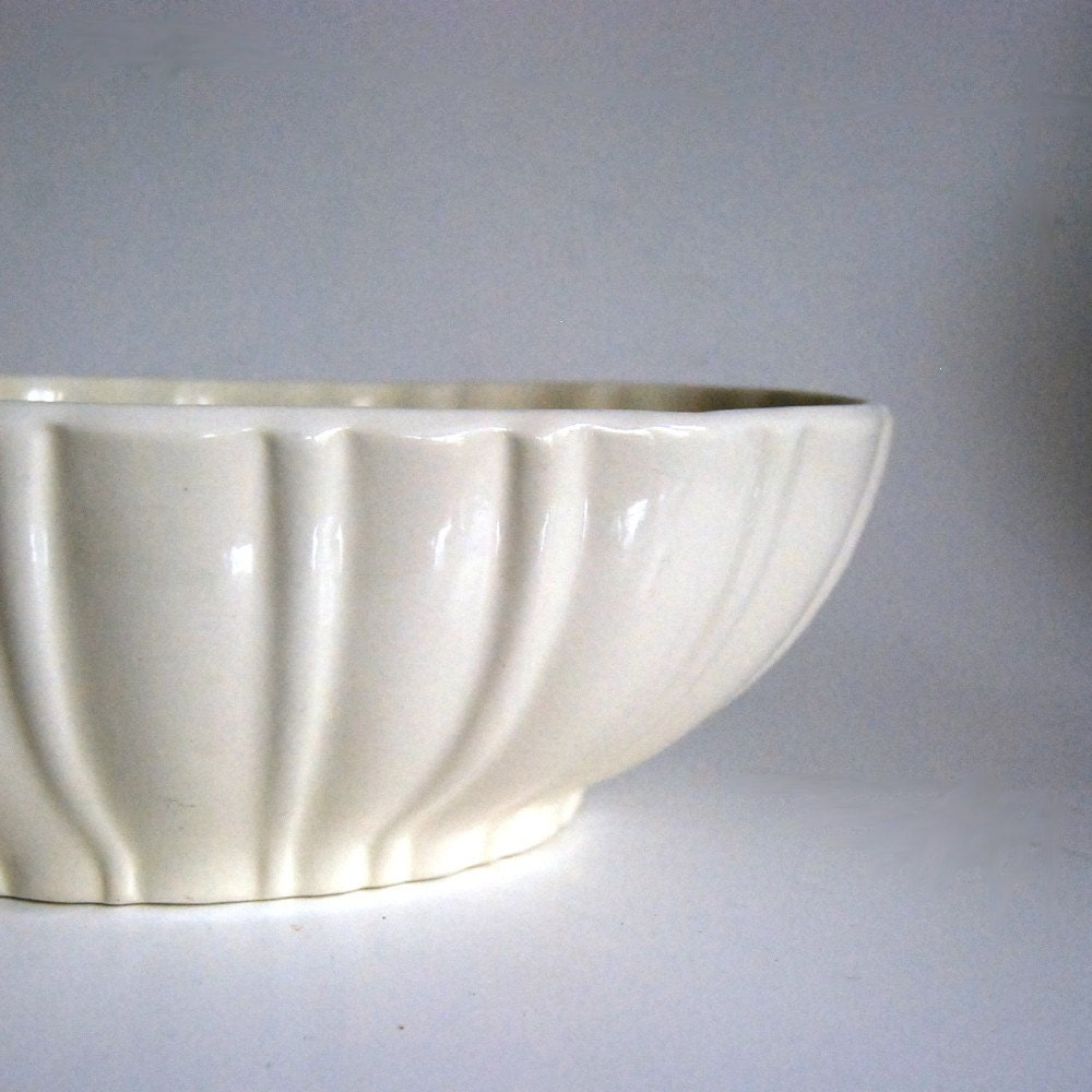 Vintage Haeger Pottery White Planter No 40200 By