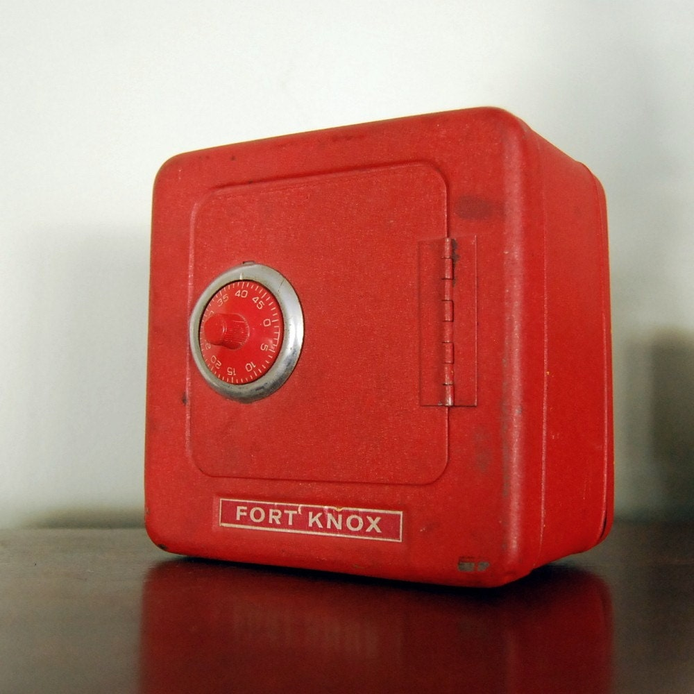 Vintage Fort Knox Red Toy Safe And Bank