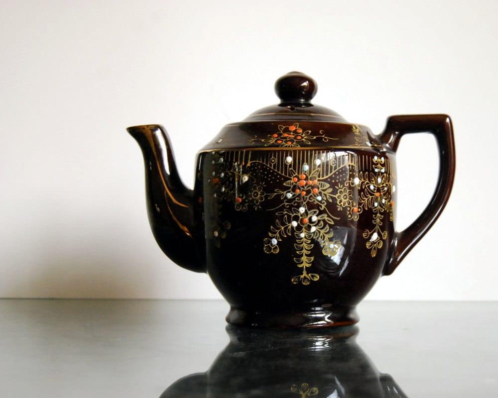 Vintage Japanese Teapot 69