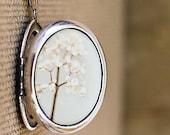 Beyond The Pale - Photo Locket - Romantic Flower Photo Locket Necklace - Silver Grande Edition