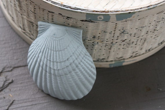Shabby Cottage Beach Chic Blue Clam Shell