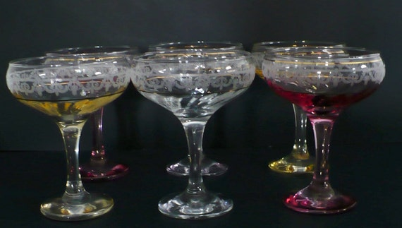 6 ART DECO Coupes Champagne Coupe Glasses 1930s Stemware Weddings Set of Six Pink Yellow Etched Art Nouveau Hollywood Regency glass Saucers