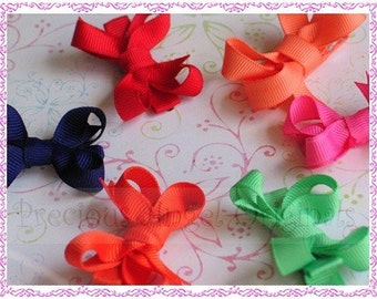 Set of 6 Itty Bitty Baby Bows  Perfect baby gifts  Over 100 colors to choose from.