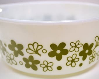 Vintage Pyrex 1.5 Pint Casserole Dish Spring Blossom Green Pattern