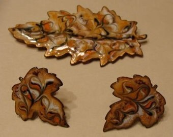 Vintage Swirled Enamel on Copper Autumn Leaf Design Demi Parure Earrings and Brooch