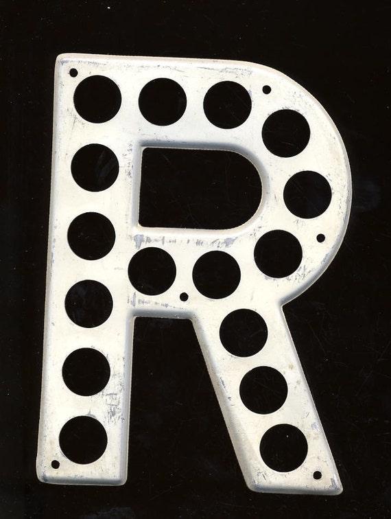 Vintage Wall Letter Metal Highway Letter   Letter R   Alphabet Letters