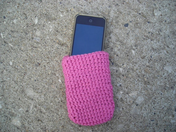 Easy Slip-on Pink Crochet Iphone Android Smartphone Case - a cute Cozy  or Skin to Protect your Phone