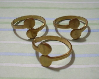 3 Vintage Adjustable Brass Rings with Double Glue Pads
