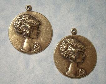 Woman Cameo Pendants Marie Antoinette Cameos 26mm Charms Oxidized Brass 2pcs