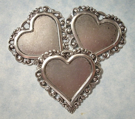 3 Victorian Heart Picture Frame Pendants
