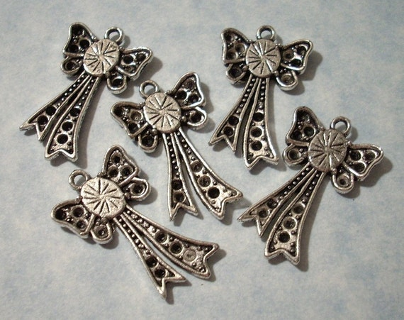 CHARMS 5 Bow Charms with 6x8mm Settings - Was 2.50 - CLEARANCE SALE (See Our Shop Announcement)