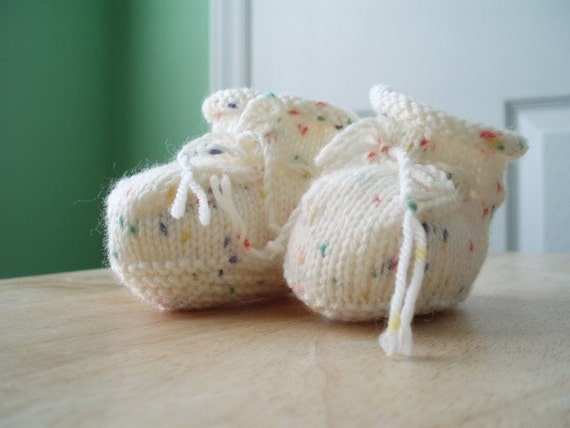 Preemie Baby Booties Knitting Pattern : Hand Knit Baby Booties Preemie by ButterflyBrain on Etsy
