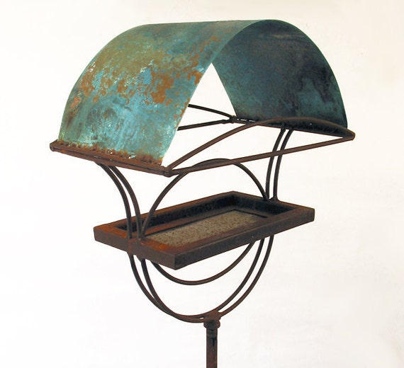 Sculptural Bird Feeder 221