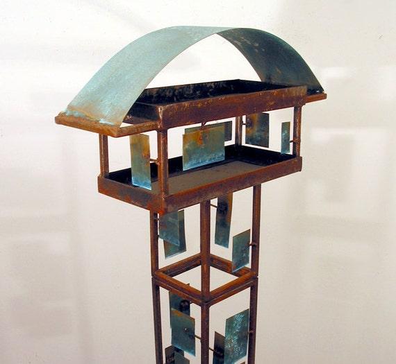 Sculptural Bird Feeder 240