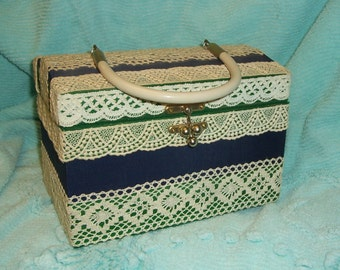 Handmade 1960s Lace Trimmed Purse