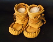 Baby Moccasin, Elk Baby Wrap Arounds, Handsewn with Sinew, Baby Bootie
