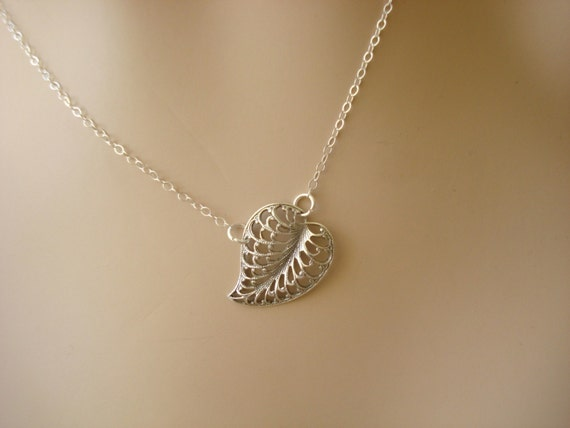 Delicate Leaf Necklace - simple, light, heart-shaped and clean. A tiny silver necklace you'll love