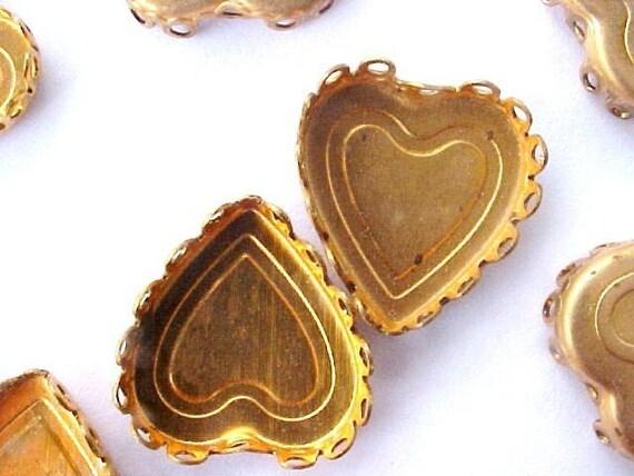 20 Vintage Brass Heart Bezels, 12mm x 14mm, Laced Edge