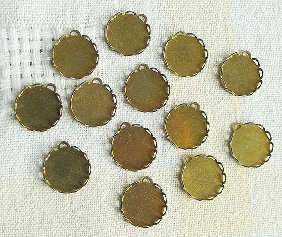 25 Brass Plated Bezels, 13mm round with Loop for Linking
