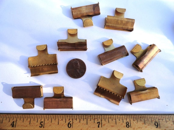 20 Vintage Brass Crimp Ends, Fabric or Ribbon, 25mm, With Teeth and End Hook