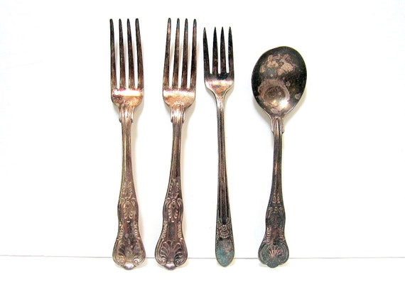 4 Pieces Silverware Discolored, Tarnished 3 Forks, 1 Spoon
