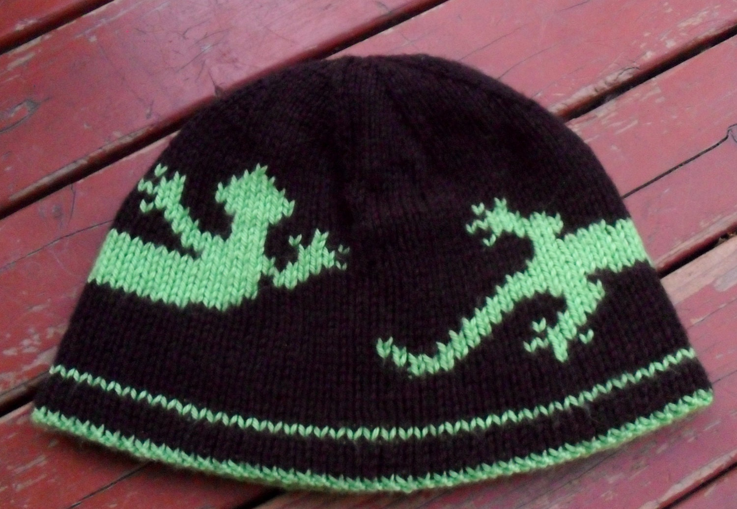 Double Knitting Hat Pattern : Lizard Double knit hat pattern and chart by NotAnotherUFO on Etsy