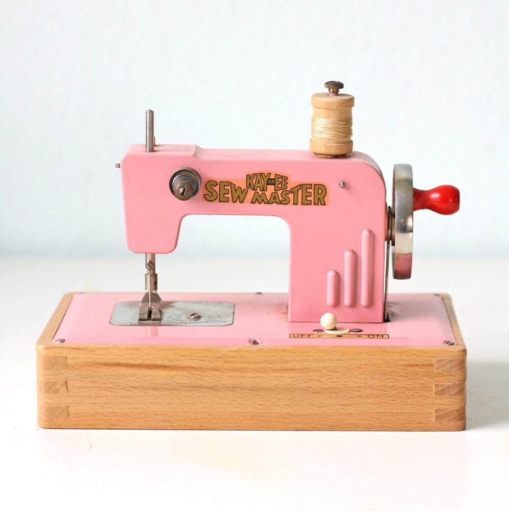 pink vintage sewing machine