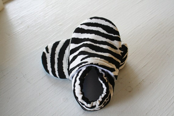 Ready to Ship baby booties newborn toddler boy girl shoes zebra animal print corduroy Infant Soft Soled slippers non slip black white SWAG