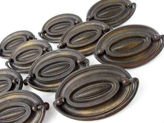 vintage metal oval drawer pulls hardware complete set of 10. Black Bedroom Furniture Sets. Home Design Ideas
