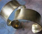 1 PC Raw Brass Ribbed Concave Cuff Bracelet - ZNE B064