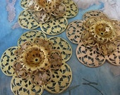 1 PC Raw Brass Filigree / Large Dimensional Flower Finding - O0325