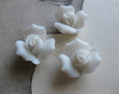 4 PC Snow White Porcelaine Flower Cabochon / German Bisque - 11mm