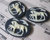 2 PC Horse Cameo / Mare and Pony / Ivory on Black - 40 x 30mm