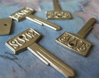 2 PC Tiny Brass Key Blank - ZNE 0006V