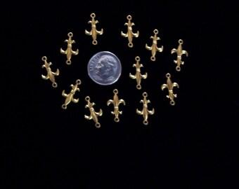 12 PC Brass Fluer de Lis charm Jewelry finding -  B0039