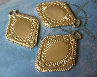 2 PC Raw Brass Victorian Pendant Cameo / Cabochon Plate Setting - AA12