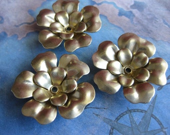 2 PC - 2 Layer Riveted Brass Flower - NN07