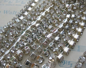 Silver Plated Swarovski Crystal Rhinestone Chain (18 pp) - 1 Foot