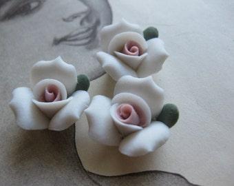 4 PC Snow White Porcelaine Flower Cabochon / German Bisque - 17mm