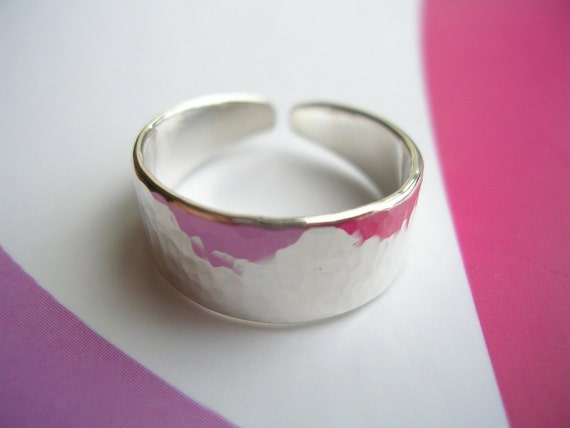 Sterling Silver Toe Ring - Reflective hammered Finish