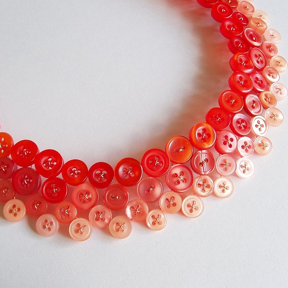 Button necklace in orange ombre - On fire