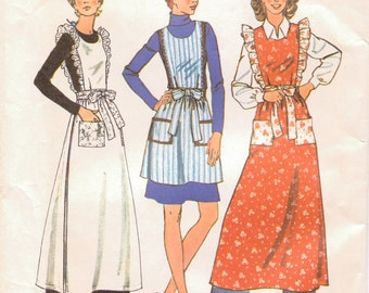 Vintage 1970's Sewing Pattern  Simplicity 6732 Aprons Size Medium Bust 34-36 Complete Uncut